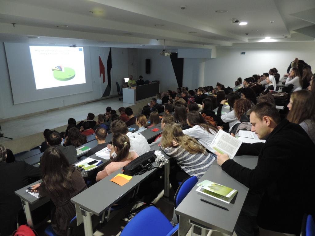 Publika za vrijeme plenarnih izlaganja (1).